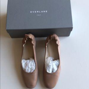 Everlane beige flats